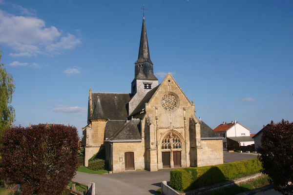 Crédits image : Église saint-Martin © Office de tourisme du pays rethélois