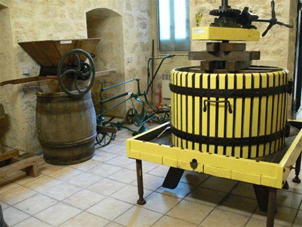 Journées du patrimoine 2018 - Visite libre des caves de la Confrérie des Coteaux de Sucy