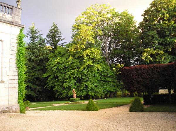 Parc du château de Beaumont-sur-Vingeanne