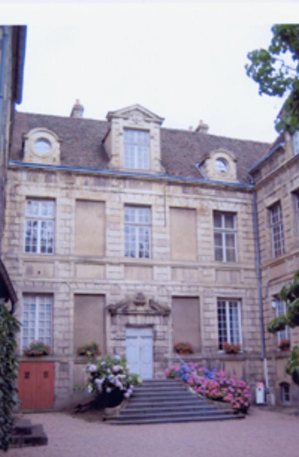 Journées du patrimoine 2018 - Visite libre de la cour de l'hôtel de Morey à Autun