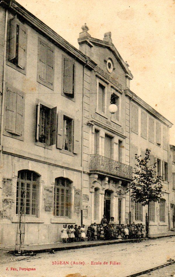 Crédits image : Collection Annie Gonzalès (carte postale ancienne J. Fau Perpignan)