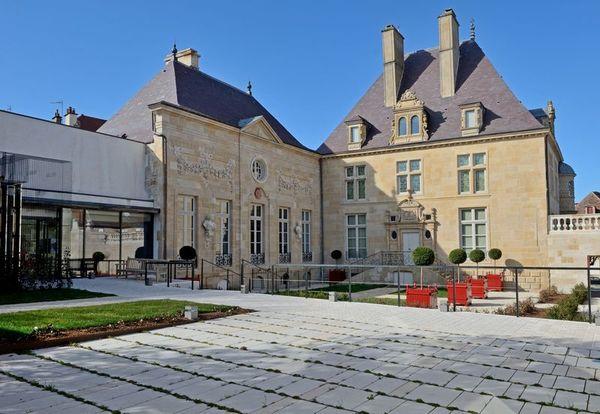 Crédits image : Maison des Lumières Denis Diderot © Basalt Architecture, Louis Benech paysagiste, Pierre Bortolussi ACMH, photo Sylvain Riandet, Ville de Langres