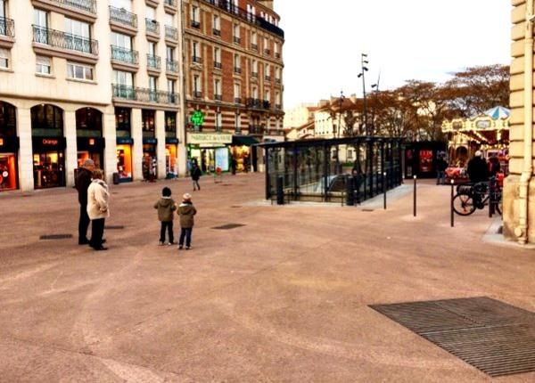 Esplanade de l'Hôtel de Ville
