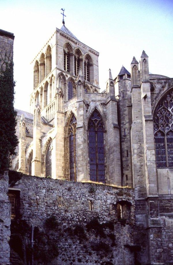 Journées du patrimoine 2018 - Exposition vêtements et bannières liturgiques