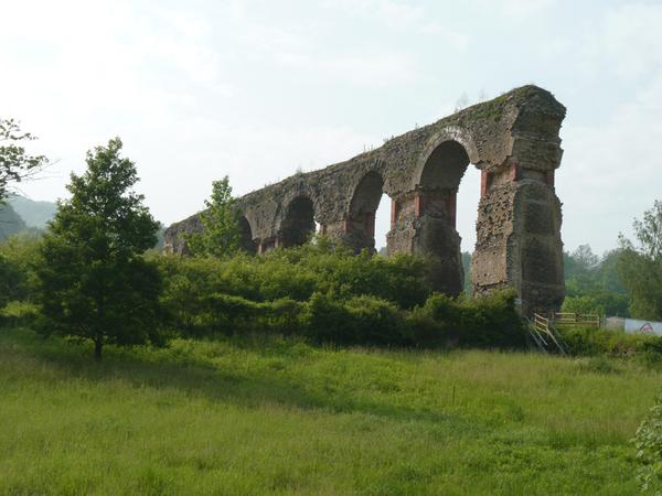 Crédits image : Les arches avant restauration - Lefèbvre Claude