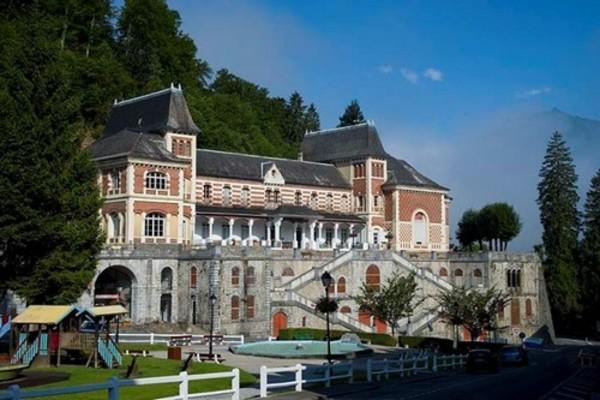 Crédits image : Ancien casino ©OT Eaux-Bonnes Gourette.
