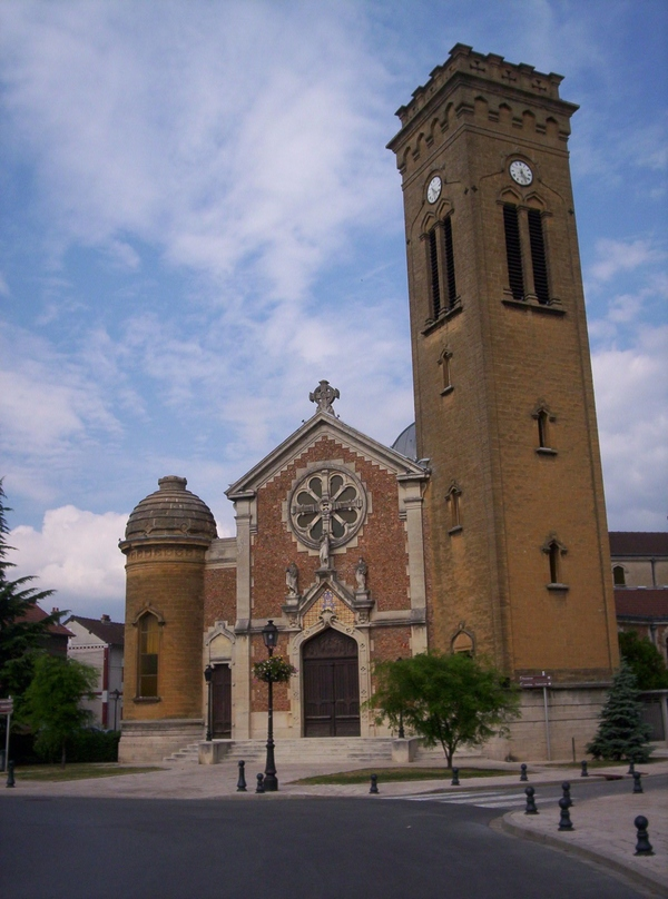 Crédits image : Magenta-église-(c) Sand~commonswiki