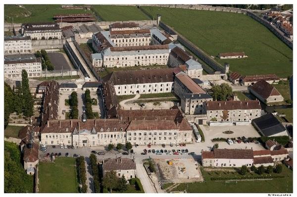 Crédits image : Clairvaux, vue aérienne depuis l'ouest © Région Grand Est - Inventaire général - photographie Jacques Philippot