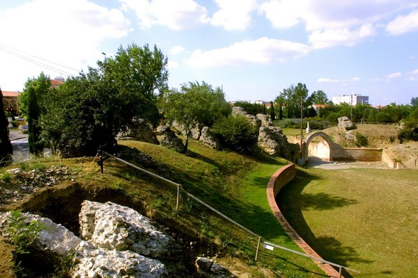 Amphiteatre romain de toulouse-purpan-ancely