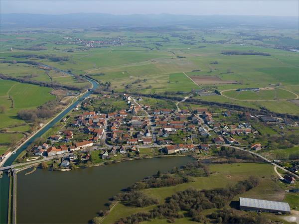 Crédits image : Gondrexange © Région Grand Est - Inventaire général - Photographie : L'Europe Vue du Ciel