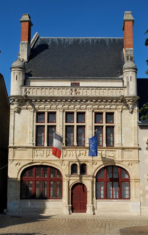 Journées du patrimoine 2018 - Découvrez la salle d'honneur et ses huit remarquables tentures brodées du XVIIe siècle