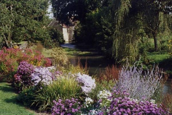 Journées du patrimoine 2017 - Anciennes Forge et Caserne du 17 et 19ème siècle entourées d'un parc et d'un Jardin labellisé