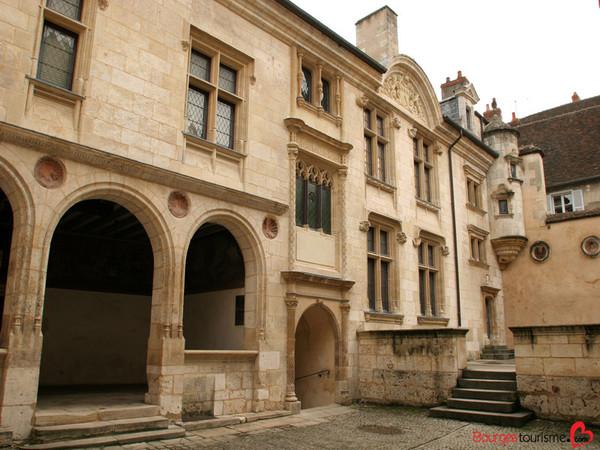 Crédits image : Bourges Tourisme