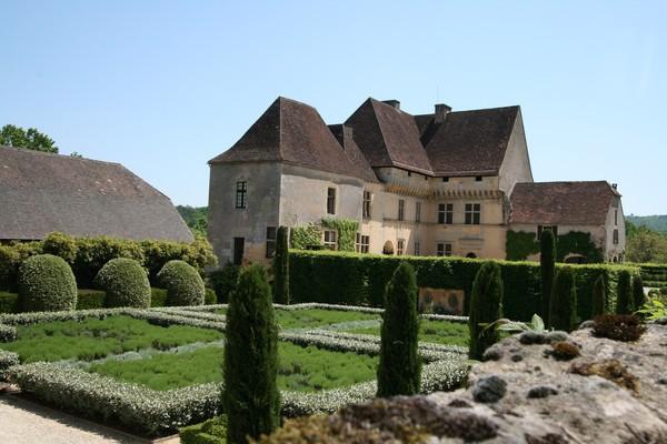 Château et jardin de Losse.