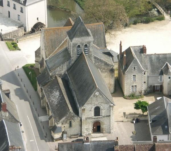 Crédits image : Sanctuaire & Paroisses de l'Ile-Bouchard