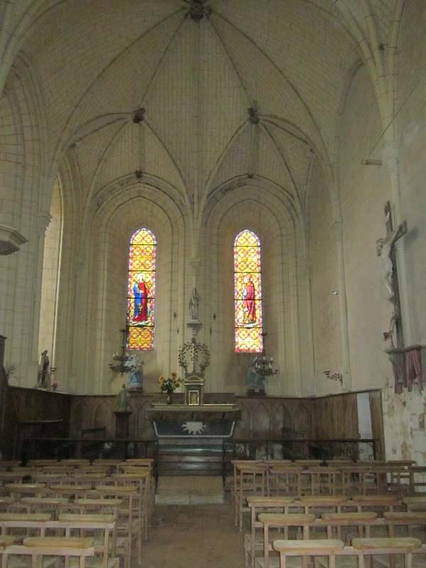 Crédits image : Intérieur eglise gothique