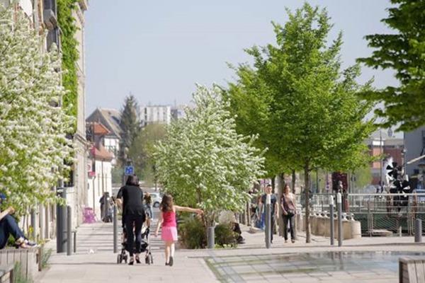 Crédits image : Crédit photo : Quai des Comtes de Champagne - Carole Bell, Ville de Troyes