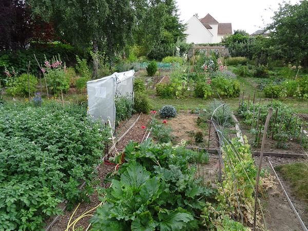 Le jardin de Félix est géré par l'association du même nom qui a pour objet de réunir des personnes ayant en commun le désir de remettre en activité un jardin d'autrefois à partir du jardinage traditionnel : potager, fruitier et jardin d'ornement.