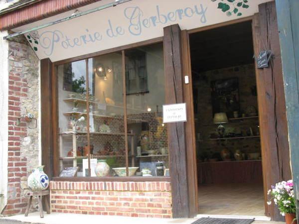 Crédits image : stephaniequilan - Poterie de Gerberoy atelier-boutique