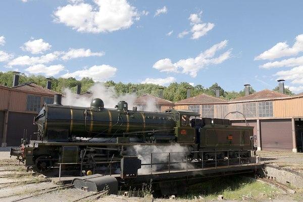 Crédits image : 140C231 sur le pont tournant du dépôt des Locomotives de Longueville (c) AJECTA