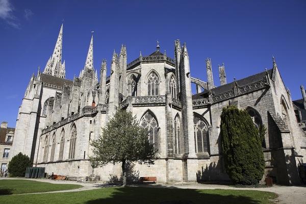 Crédits image : Quimper - Maison du Patrimoine / Cathédrale Saint-Corentin - extérieur (41)