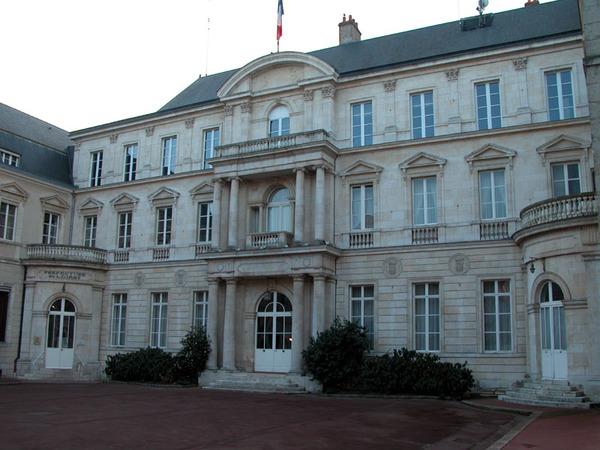 Crédits image : Crédits photo - préfecture de la région Centre-Val de Loire et du Loiret