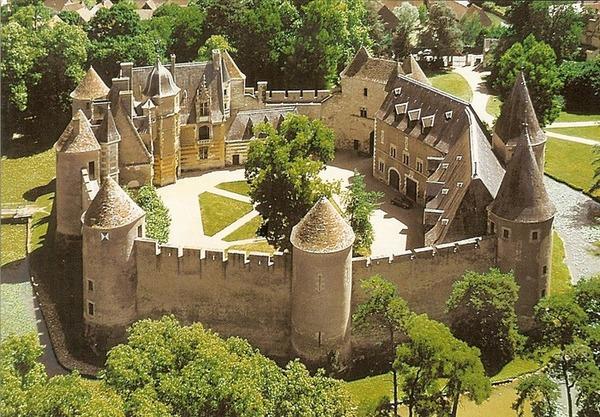 Crédits image : Château d'Ainay-le-Vieil