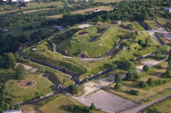 Crédits image : Fort Pélissier Fort Aventure