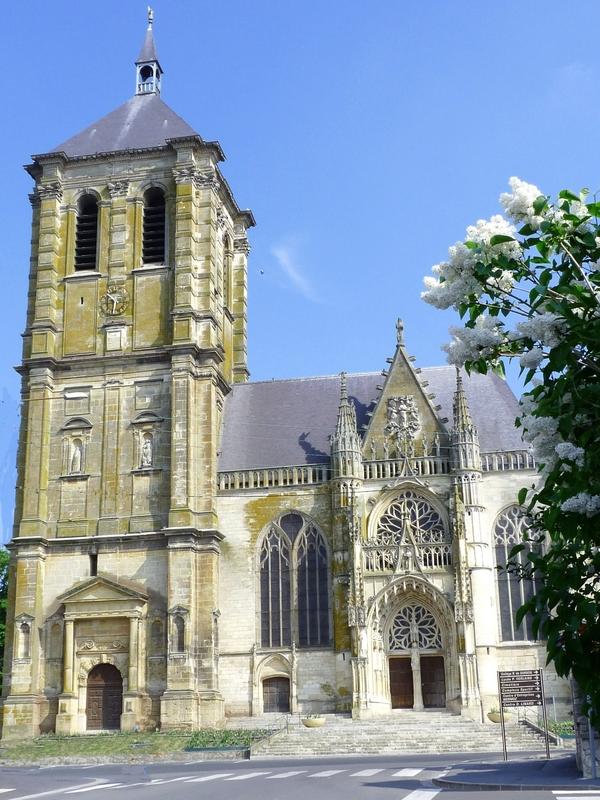 Crédits image : Église Saint-Nicolas © Office de tourisme du pays rethélois