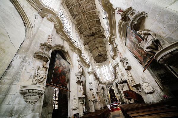 Crédits image : Crédit photo : Nef de l'église Saint-Pantaléon - Carole Bell / Ville de Troyes