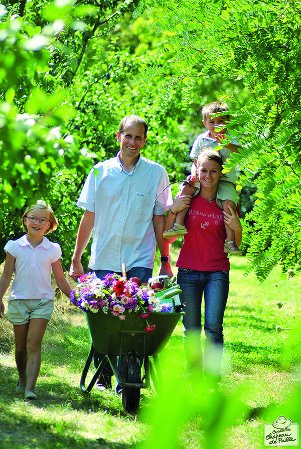 La Cueillette de Cergy met à disposition, du printemps à l'automne, de nombreuses variétés de fruits et légumes, ainsi que des fleurs et des aromatiques dans les vergers et potagers. Tout y est cultivé dans le respect de l'environnement grâce à la pratique de l'agriculture raisonnée.