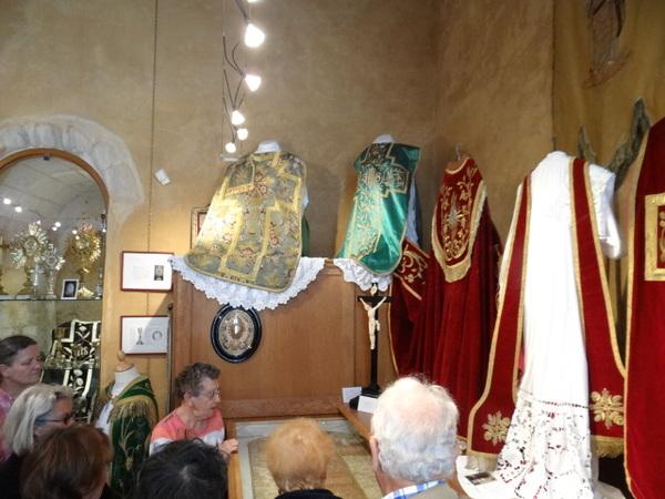 Crédits image : M.Streefkerk, Musée d'Art Sacré et Métiers d'Art, Cheviré le Rouge