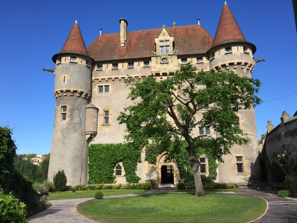 Crédits image : © Château de Murol en Saint-Amant