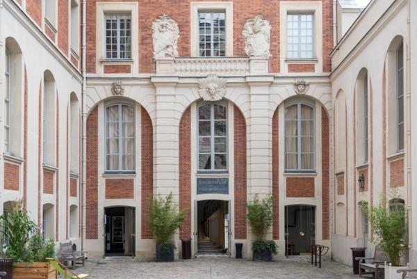 Crédits image : Bibliothèques municipales de Versailles
