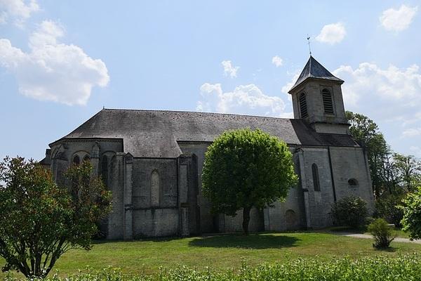 Crédits image : Saints-Geosmes - Eglise des Trois-Jumeaux - (c) Peter Potrowl-Wikimedia Commons