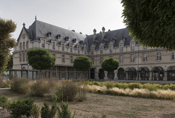 Crédits image : Châlons-en-Champagne, hôtel de Région © Région Grand Est - Inventaire général - photographie Jacques Philippot