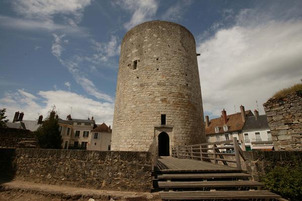 Journées du patrimoine 2018 - Visites commentées du patrimoine médiéval de Dourdan : le château fort et l'église Saint-Germain l'Auxerrois