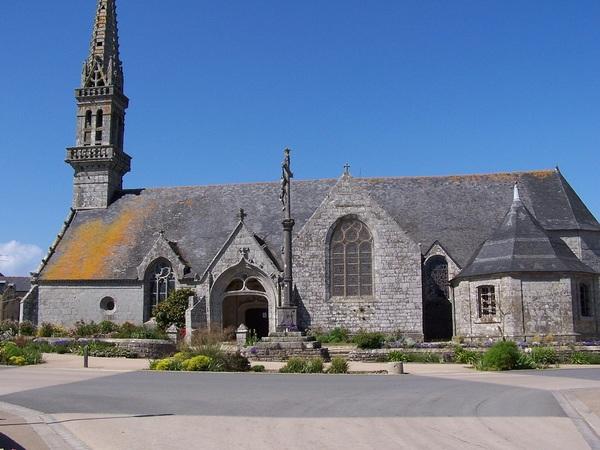 Crédits image : Mairie de Poullan-sur-Mer - Eglise Saint Cadoan